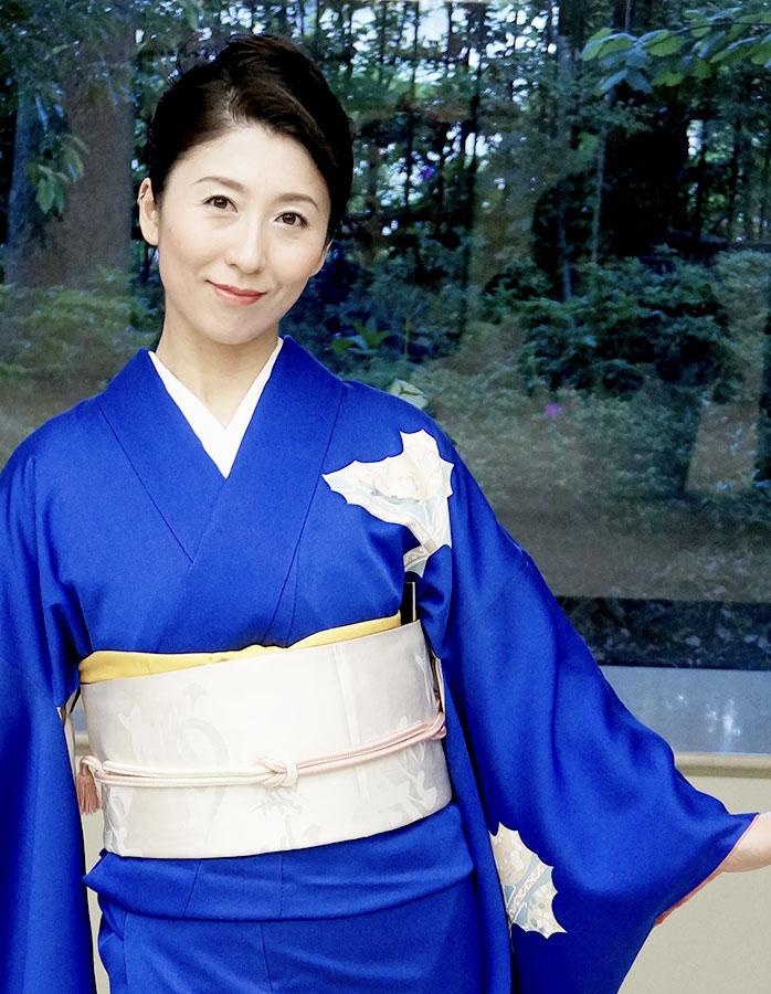 Me-in-blue-Kimono